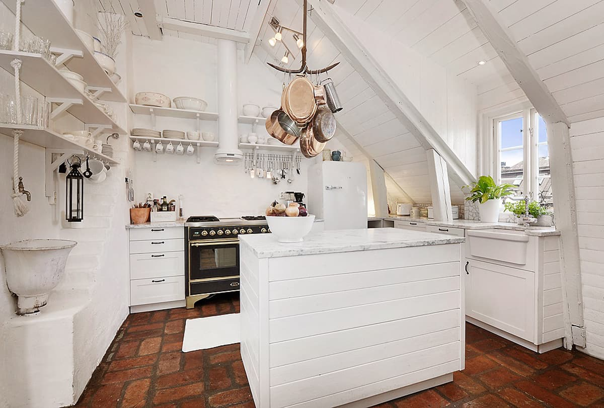 21 Smart Ways To Decorate Your Attic Kitchen With Ease