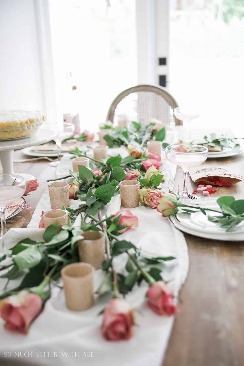 french valentines day table setting pink roses 111