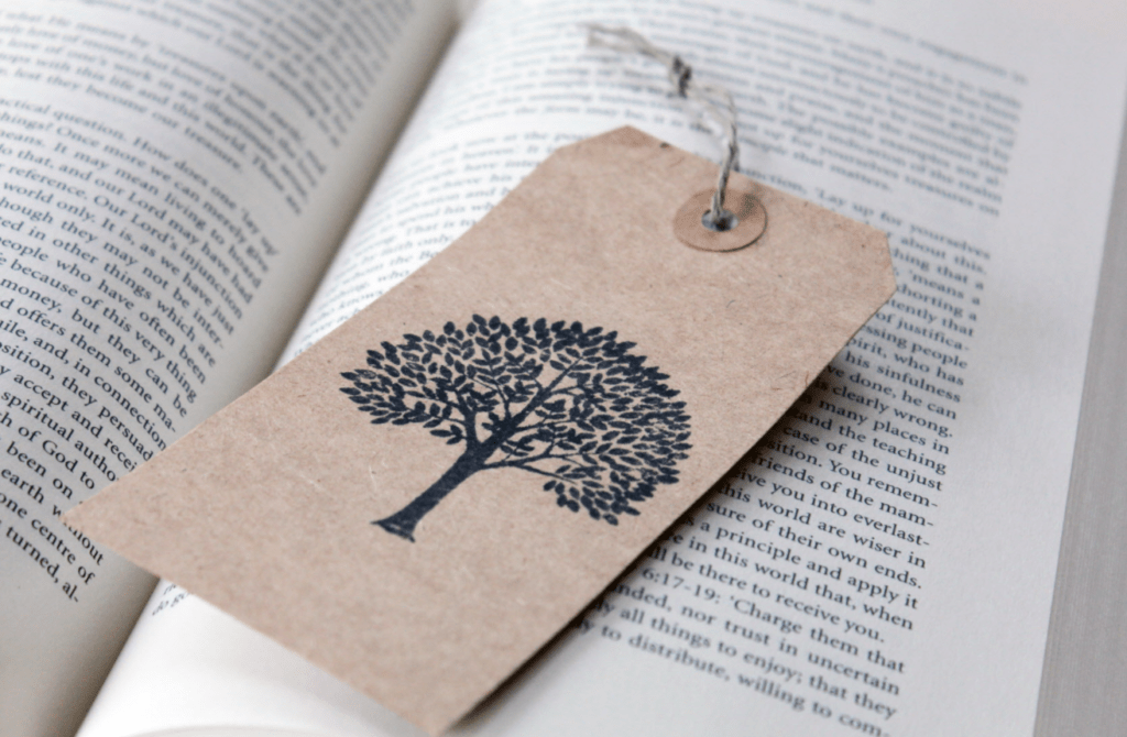 BOOKMARKS MADE OUT OF GIFT TAGS
