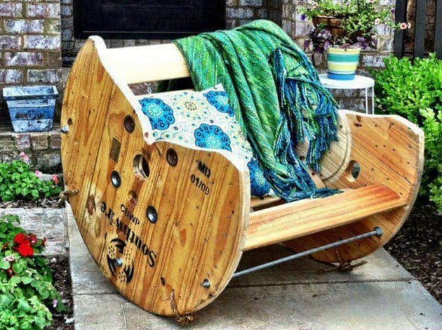 Cheap outdoor furniture ideas Diy Patio Well That Means Its Time To Get Cable Spool And Do Little Work To Get This Awesome Chair Homesthetics 20 Remarkable Diy Outdoor Furniture On Budget Homesthetics