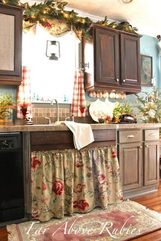 SKIRTED CABINETRY
