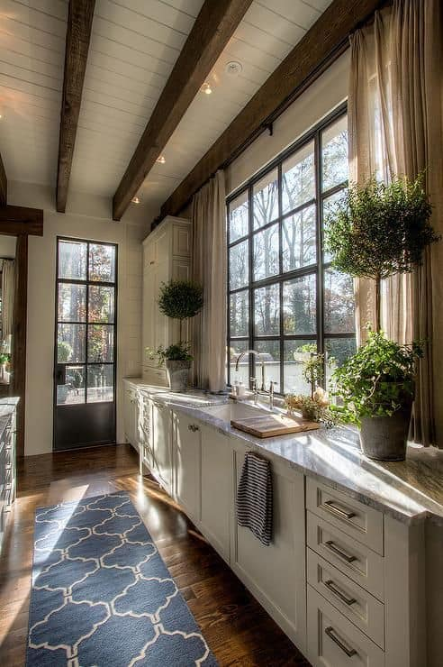 LARGE WINDOWS kitchen