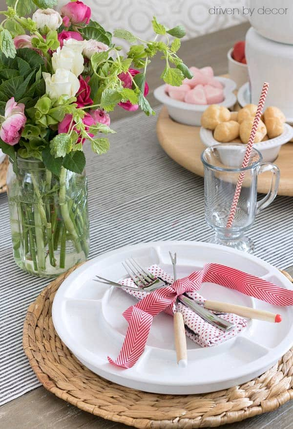 valentines day fondue placesetting