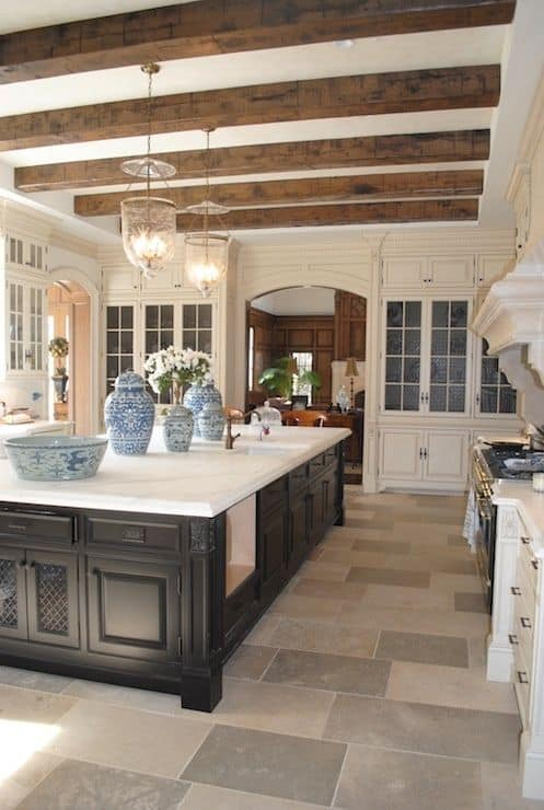 CONTRASTING WITH DARKER COLORS kitchen color