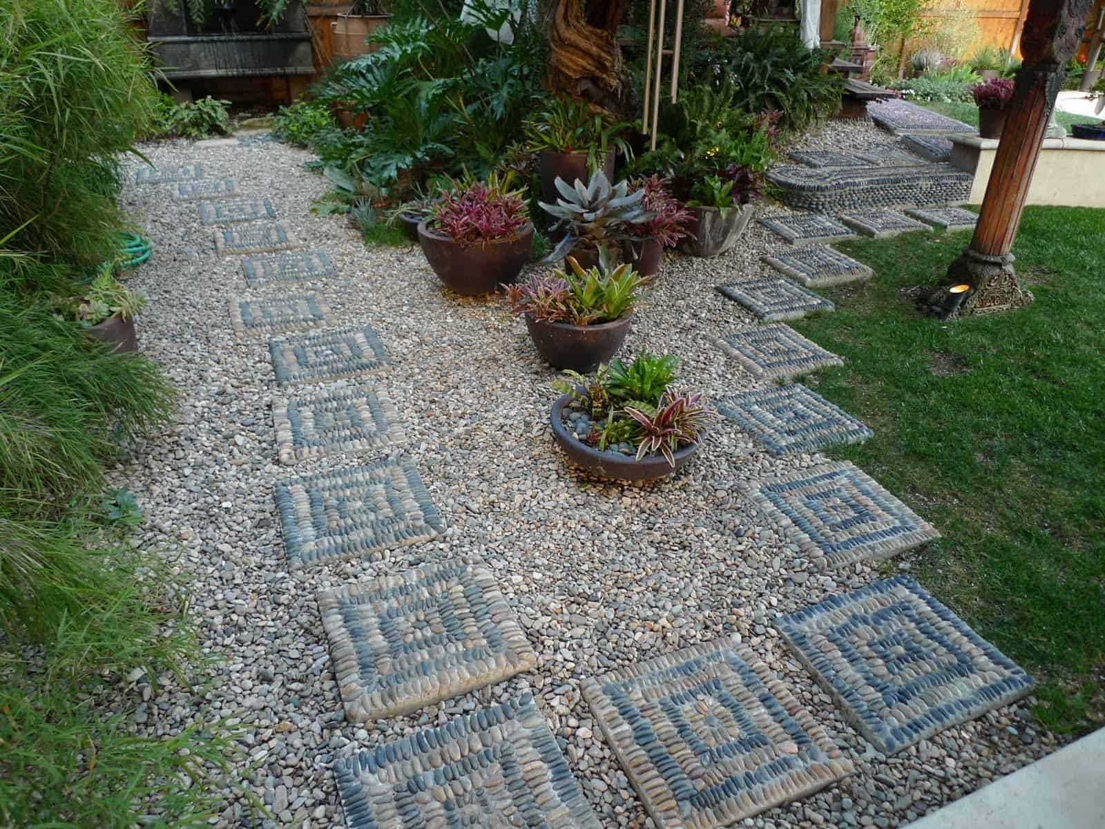 21 Incredible Pebble Landscapes That Will Enhance Your ... on Pebble Yard Ideas id=12128
