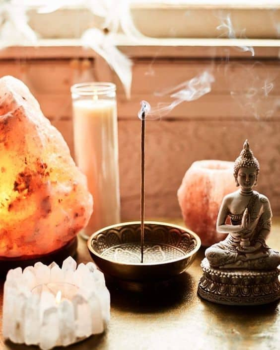 Himalayan Salt Lamp Benefits and Real vs. Fake Salt Lamps