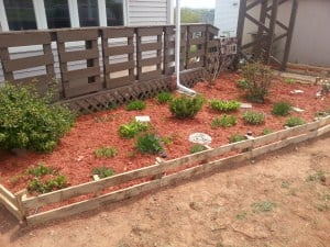 27. Wooden Pallet Garden Edging