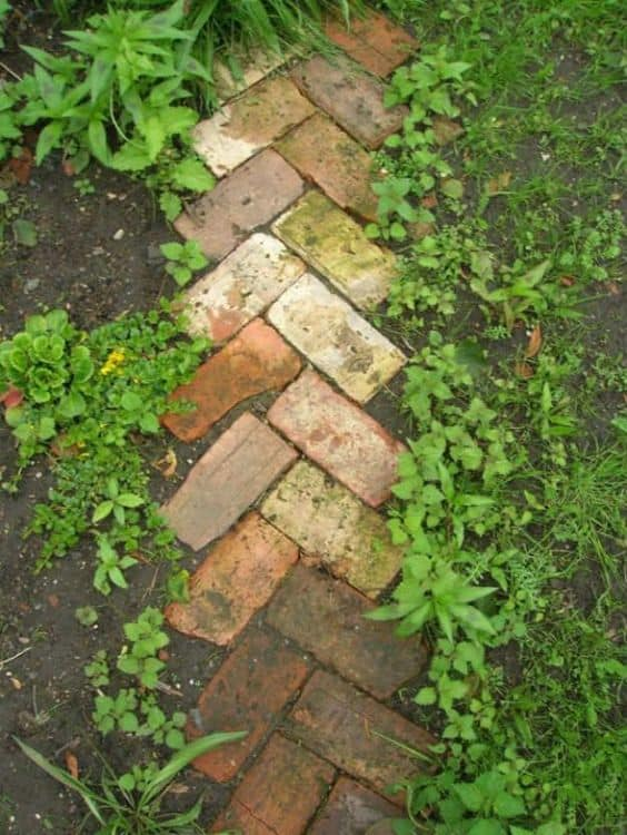 46. Use a Herringbone Brick Pattern Edge