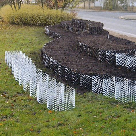 42. Use Chicken Wire to Shape A Natural Garden Edge