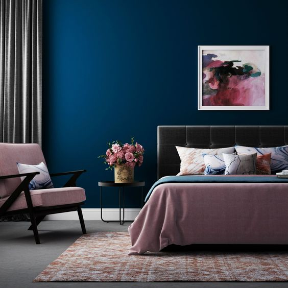 17. Navy Blue and Pink Bedroom Design