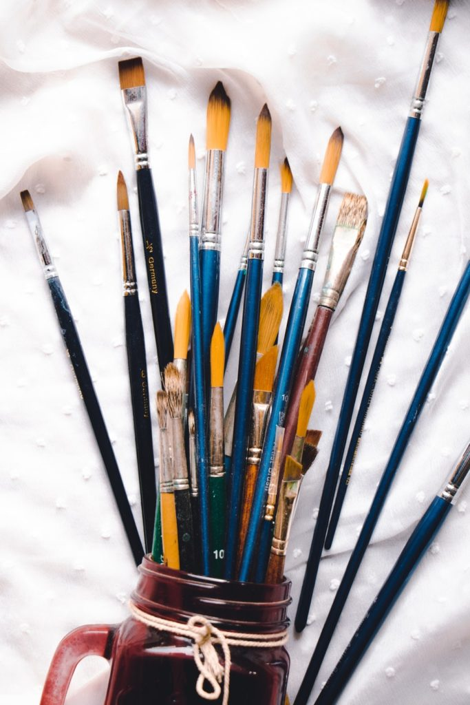 the best brushes for acrylics out there