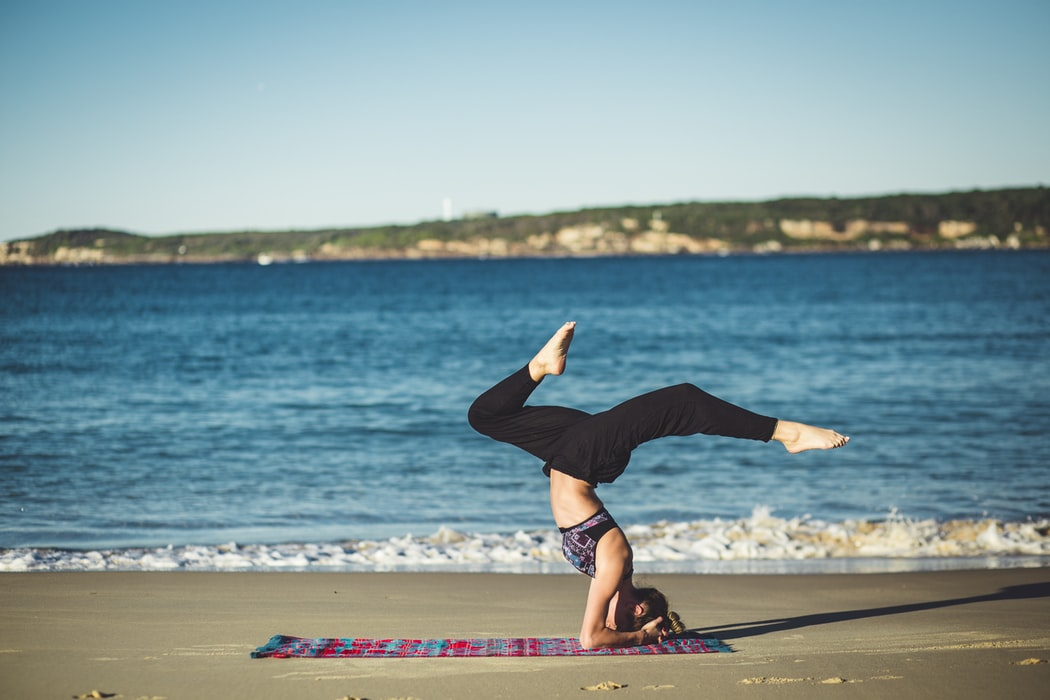 10 Best Yoga Blankets Right Now | Buyer's Guide and Reviews