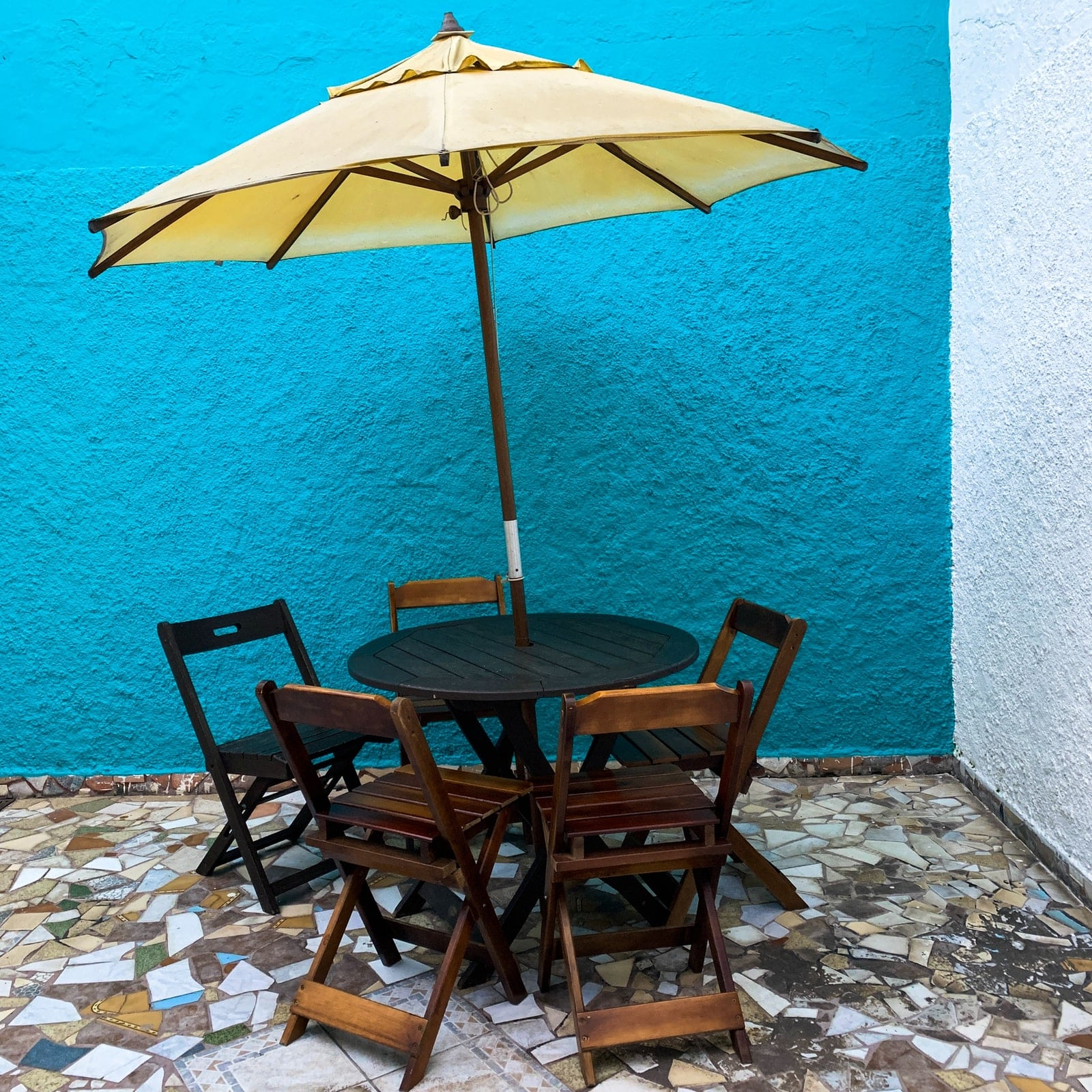 Best Small Patio Tables With Umbrella Hole 3