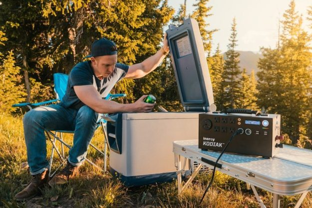 Best Solar Generators for Camping Home Use 3