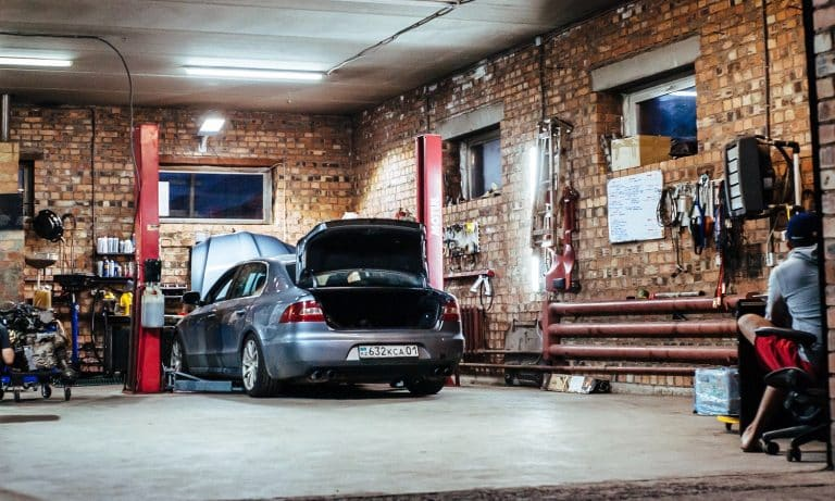 10 Quietest Air Compressors For Your Garage 01