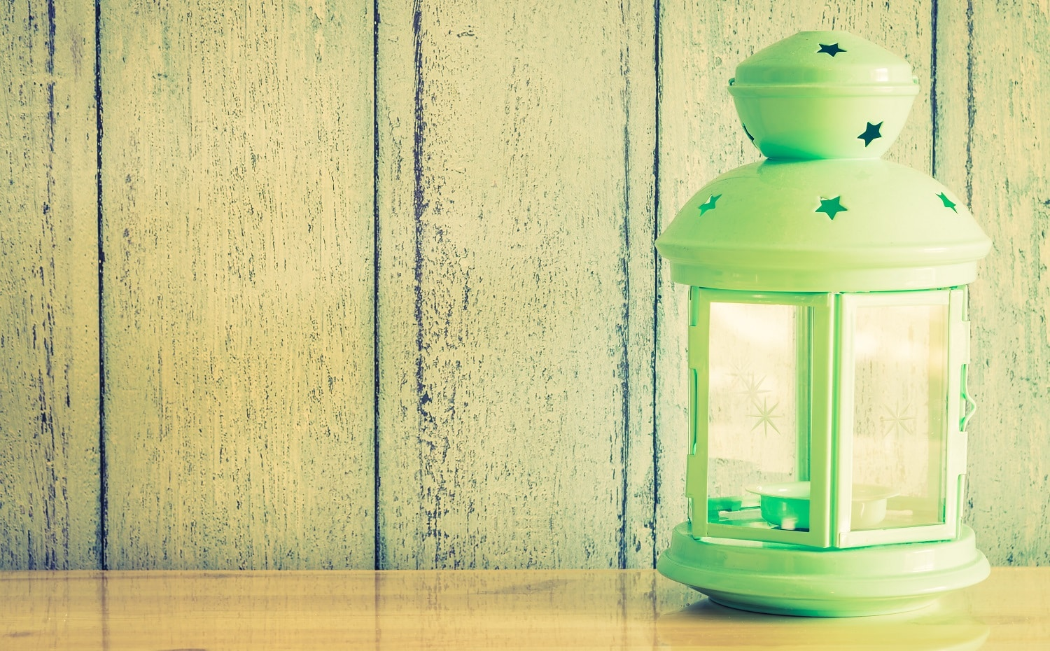 Vintage lantern lamp with copy space - Vintage filter effect