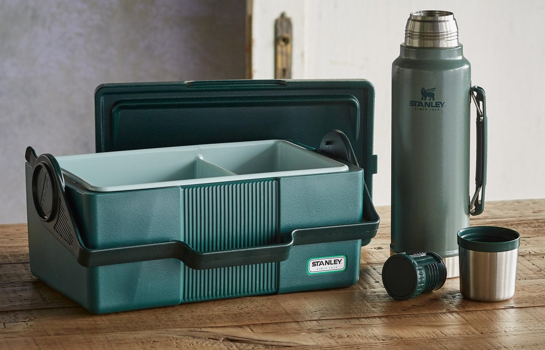 3 Best Stanley Lunch Boxes Today 3