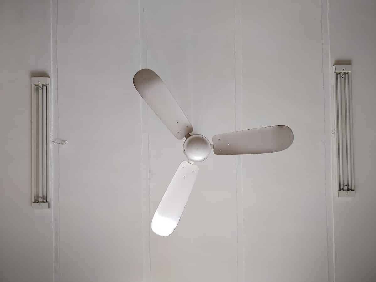 Do Ceiling Fans Use a Lot of Electricity No Not Really 2