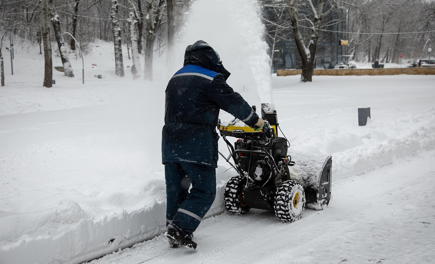 snow removal by public services in the Park