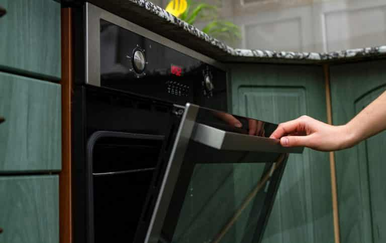 Using an electric oven for baking and cooking