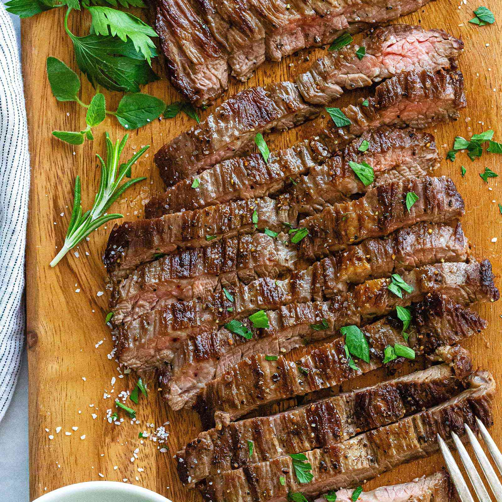 opt aboutcom coeus resources content migration simply recipes uploads 2019 08 HT Cook Skirt Steak LEAD 7 fbd0ee46b0bf4b0c9eb8b2435e55ee76