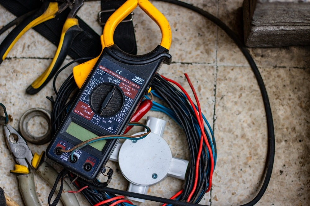 Why DIY Electric Repairs Are A No Go 1