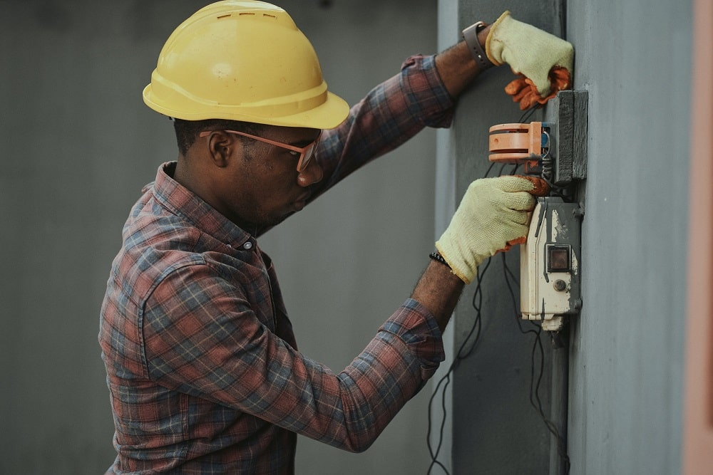 Why DIY Electric Repairs Are A No Go 3